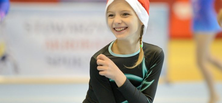 Międzywojewódzki turniej Mikołajkowy w akrobatyce sportowej