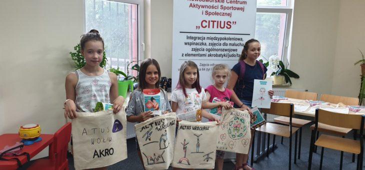 Wręczenie nagród w konkursie Trener na wesoło i Sportowa torba na zakupy