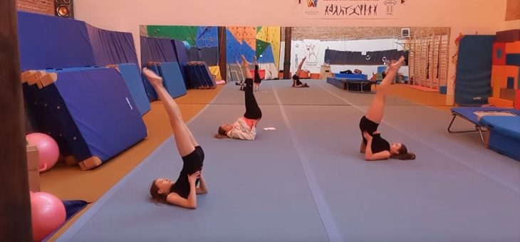 Akrobatyka i Judo – LEKCJA #3 – ĆWICZENIA WPROWADZAJĄCE DO WYKONANIA PRZEWROTÓW W PRZÓD I TYŁ #akrobatyka #judo