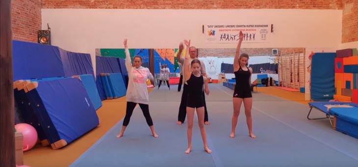 Akrobatyka i Judo – LEKCJA #1 – ROZGRZEWKA #akrobatyka #judo