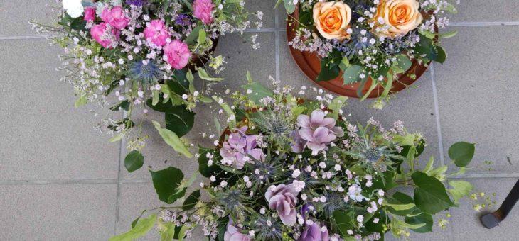 Wykonanie kompozycji kwiatowej #warsztaty #senior