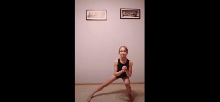 Zdalny trening naszych akrobatów – Michalina #zdrowie #sport #ćwiczenia