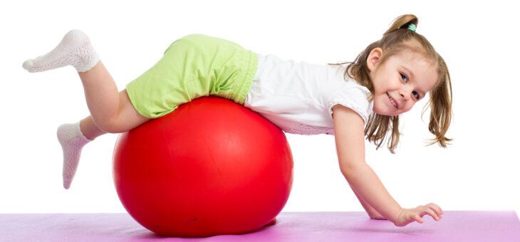 Ćwiczenia z piłkami w parach #przedszkolaki #zajęcia