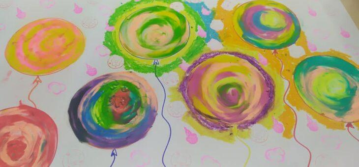 Aniołki z masy solnej i kolorowe balony #altius #senior #dzieci #zajęcia